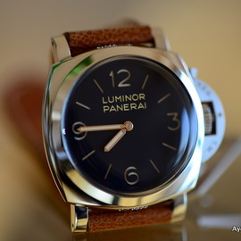 Panerai Luminor marina (Firenze 1860)Pam 279 Brown Dial CIOCCOLATO  In Titanium WITH Bracelet in Titanium  Adapters ON Bracelet TO fit to other pams also 44 mm marina case  transitional bracelet 2 pieces with no skrews on the back J series