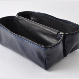 Isaac Reina - Leather Toilet Case