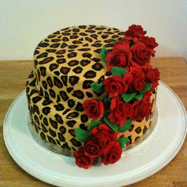 thecakebar: leopard print inspired cake!