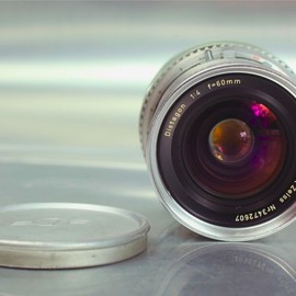 """""""HASSELBLAD 500C/M + Carl Zeiss C 80mm/F2.8 T* (White)"""""""