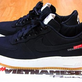 Nike - Supreme × NIKE AIR FORCE1 LOW PREMIUM