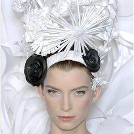 Katsuya Kamo - head piece for Chanel Couture SS09