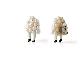 HairySock  - Pearl Person Clip Earrings
