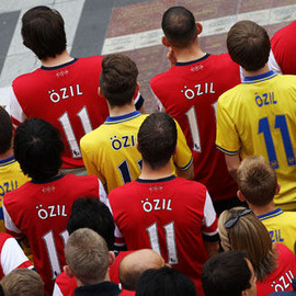 London Arsenal - Arsenal Tricot Mesut Oezil