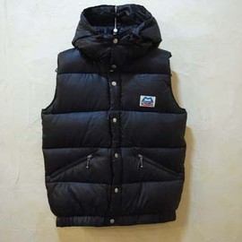 MOUNTAIN EQUIPMENT - Retro Lightline Vest