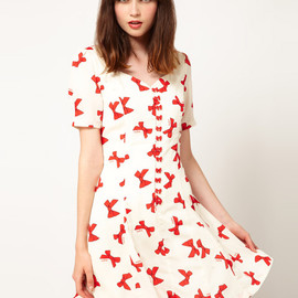 Nishe - Bow Print Sweetheart Dress
