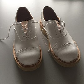 Quilp by Tricker's - M7401 multi tone oxford white paint for SCENE