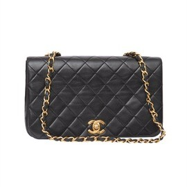 Chanel Matelassé Chain shoulder bag