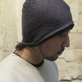 LABEL UNDER CONSTRUCTION - Double dome wrinkled cap. Extrafine cashmere/silk
