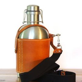 PEDAL HAPPY - Stainless Steel Growler & Leather Growler Carrier With Strap