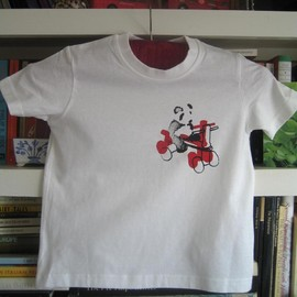 Luulla - panda on red tricycle - toddlers t-shirt