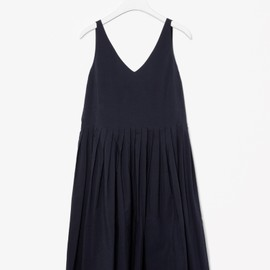 COS - V-neck pleated dress