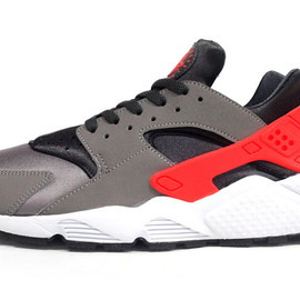 NIKE - AIR HUARACHE 「LIMITED EDITION for NONFUTURE」