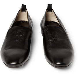 Alexander McQueen - Alexander McQueen Skull-Embossed Leather Loafers