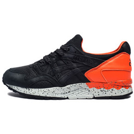 "UNDEFEATED - UNDEFEATED X ASICS GEL-LYTE V ""FALSE FLAG"""
