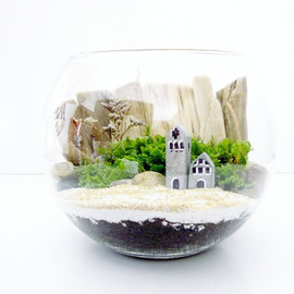 DoodleBirdie - Glass Bowl Terrarium with Beach Cottage: DIY Kit & Miniature Concrete House, Easy Moss Terrarium