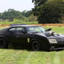 Ford - MADMAX V8 Intercepter Replica