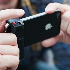 Belkin - LiveAction Camera Grip for iPhone