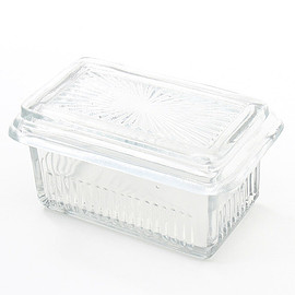LABOUR AND WAIT - K097 BUTTER DISH
