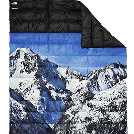 Supreme, THE NORTH FACE - Mountain Nuptse Blanket with 700 fill down insulation