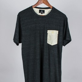 Varia Curiosa - SPARTA Heather black pocket Tee