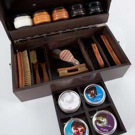 Paul Smith - Luxury Wooden Shoe Care Kit