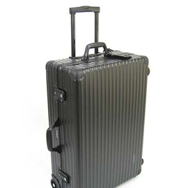 RIMOWA - with UA CLASSIC FLIGHT