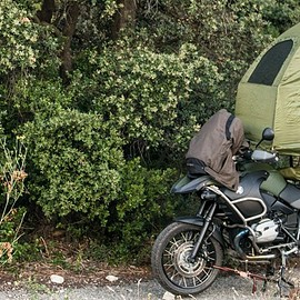 MoBed · Designed by Themes & Co - THE MOBED – A MOTORCYCLE MOUNTED TENT