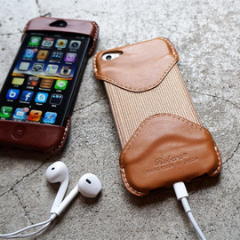 Roberu - Roberu iPhone 5 Case