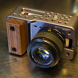 Blackmagic Design - Pocket Cinema Camera|ViewFactor Contineo BMPC Cage