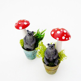 DoodleBirdie - Miniature Bear In Antique Thimble with Toadstool Mushroom