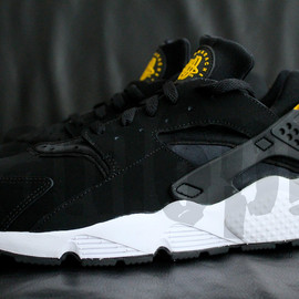 NIKE - AIR HUARACHE LE (2012 Retro) - Black/Yellow