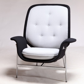Herman Miller - Kangaroo chair by George Nelson & Associates