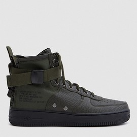 NIKE - Air Force 1 Mid Shoe in Sequoia Black