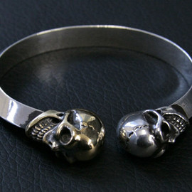 GABOR - GABOR gold&silver skull triangle bangle