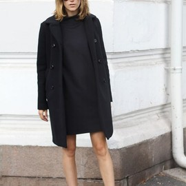 oversized coat + sneakers