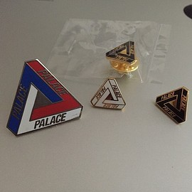 palace skateboards - pins