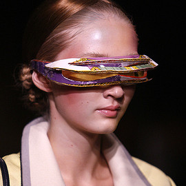 UNDERCOVER - paper-cut-out sunglasses