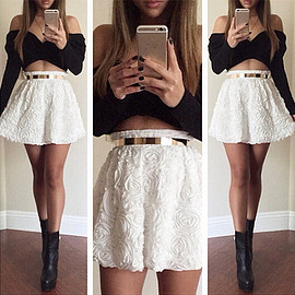 Sexy Off-shoulder Long Sleeve Tops + 3D Flowers Skirt Two-piece Set