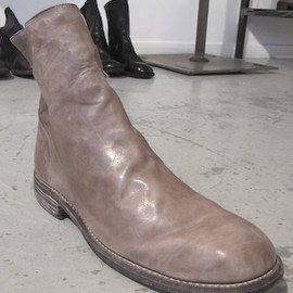 GUIDI - Full grain horse leather boot with a side zip and angled boot shaft