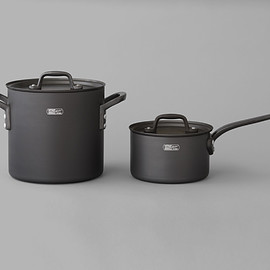 STÜSSY Livin' GENERAL STORE - GS Black Stockpot by ETOETOTEATO GS Black Saucepan by ETOETOTEATO