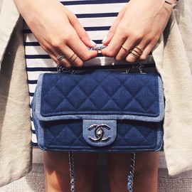 CHANEL - baby chanel bag/two tone denim