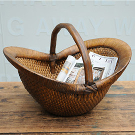 Vintage maize basket