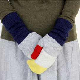 Jo Gordon - colour block mitts