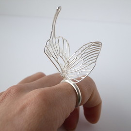 marzo-jewelry - delicate air ring - swallowtail