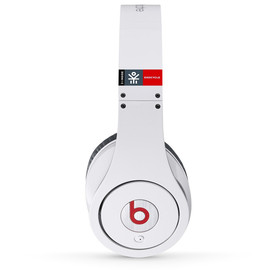 Ekocycle, Beats by Dre - Recycled PET plastics headphone