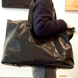 cornelian taurus by daisuke iwanaga - 2HANDLE TOTE BIG BLACK 2013-14AW