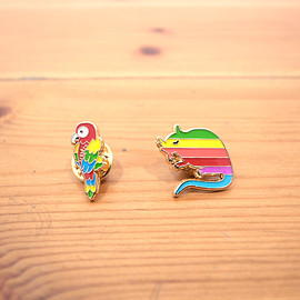 STRAY RATS - Prrot Lapel Pin / Rainbow logo Lapel Pin