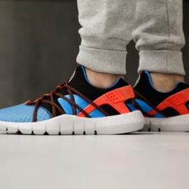 Nike - NIKE HUARACHE NM BLUE LAGOON/BLACK/NEUTRAL GREY-BRIGHT CRIMSON
