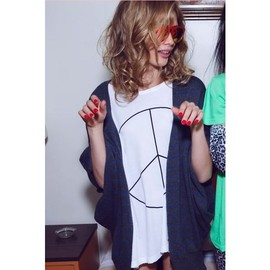 WILDFOX - Wildfox New Peace Crew Neck Tee in Clean White - Wildfox Couture